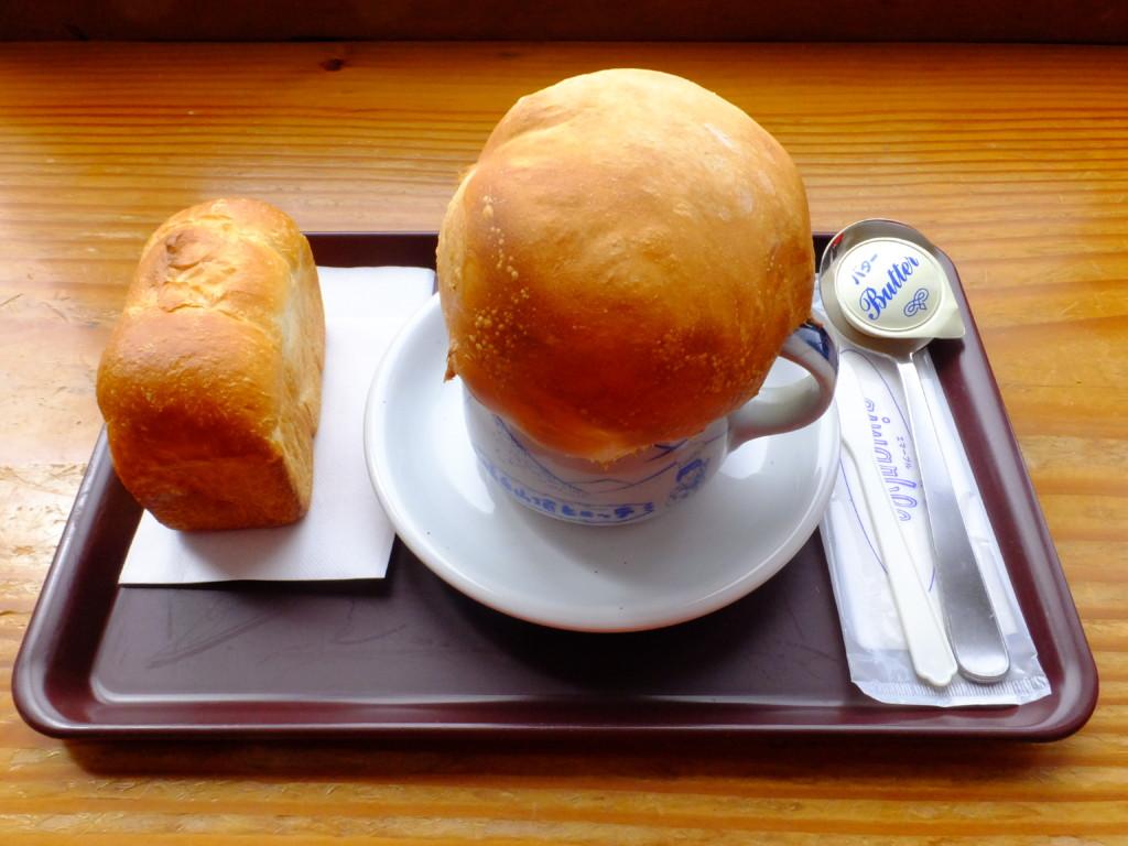 きのこスープとパン