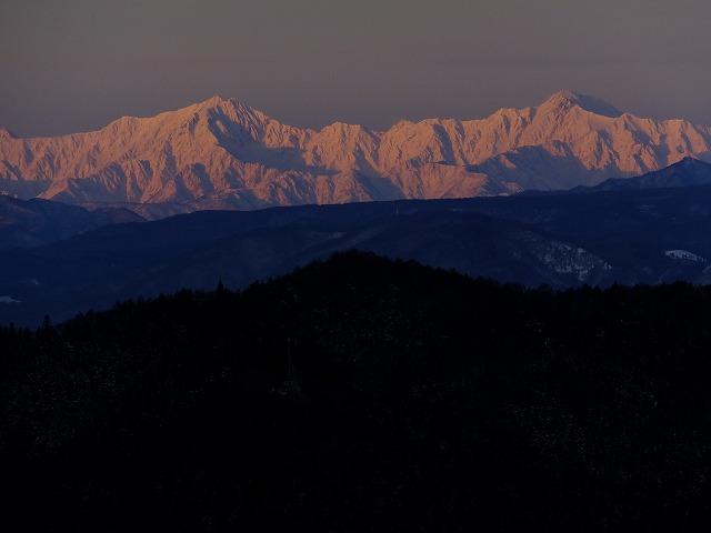 鹿島槍ヶ岳と五竜岳(右)