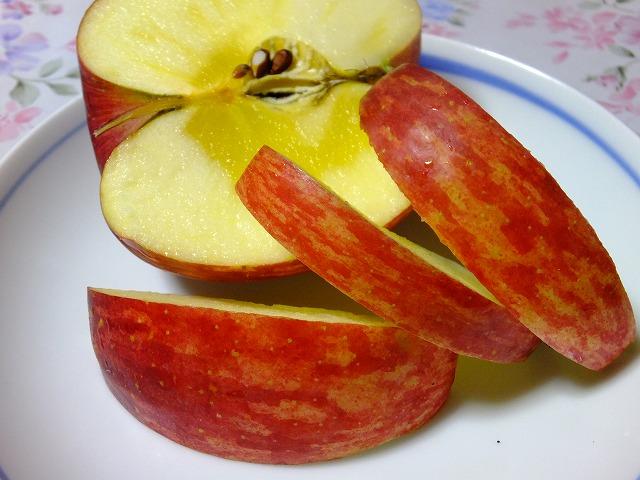 皮付きりんご