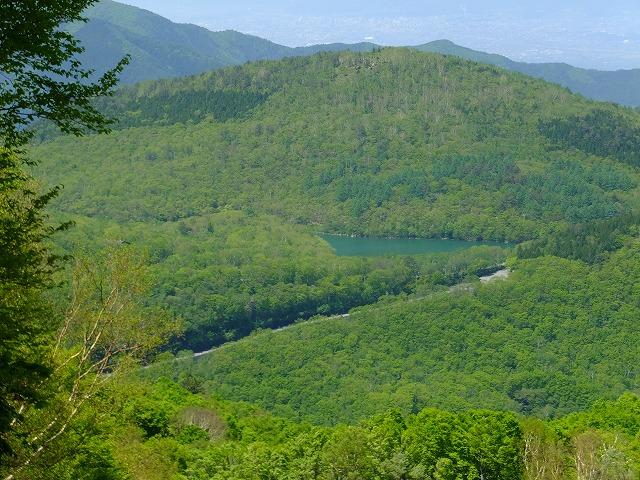 西館山スキー場から見る琵琶池
