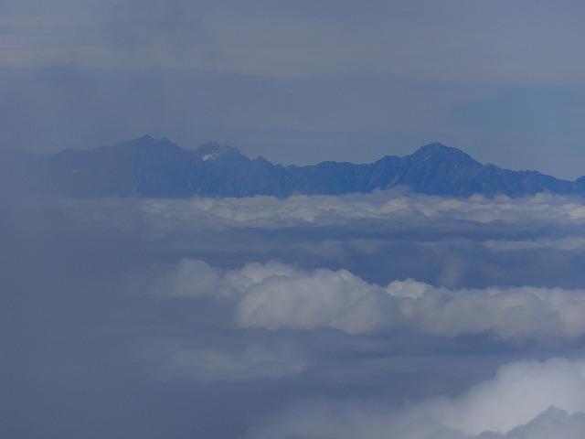 五竜岳と鹿島槍ヶ岳(左)