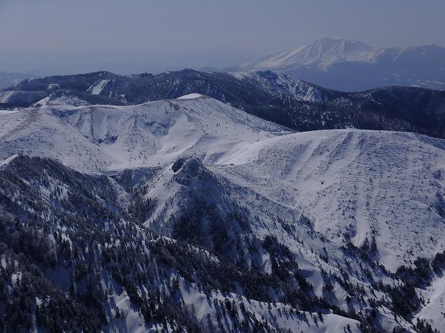 横手山展望台から白根山、浅間山 2020.2.24