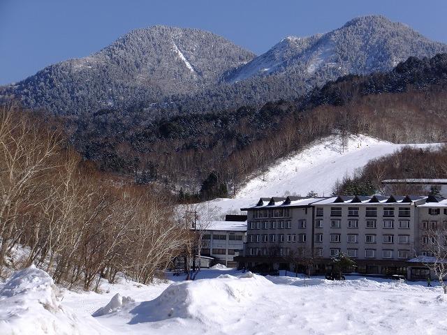 裏志賀山と志賀山(右) 2020.2.24