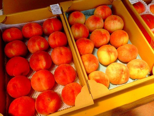 無農薬では収穫ゼロという桃